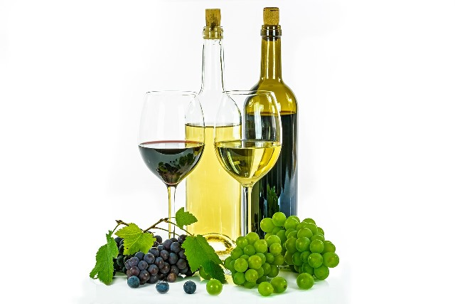 Červené a bílé víno